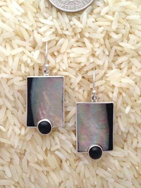 Black Lip Earrings Rectangular Medium w/ Rd Black Star Diopside