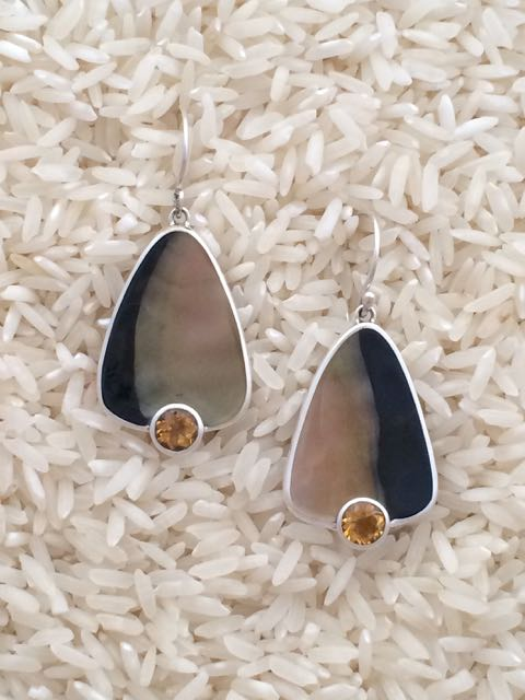 Black Lip Earrings Teardrop Medium with Round Gemstone