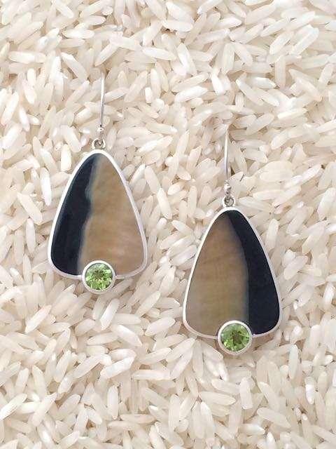 Black Lip Earrings Teardrop Medium with Round Gemstone
