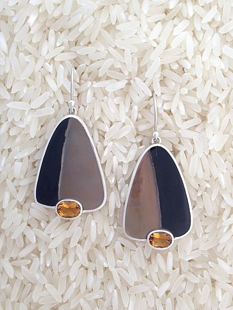 Black Lip Earrings Teardrop Small-Medium w/ Oval Citrine