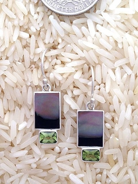 Black Lip Earrings Rectangular Small w/ EC Peridot