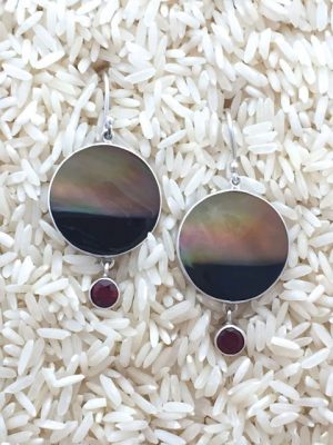 Black Lip Earrings Round Medium w/ Rd Gemstone