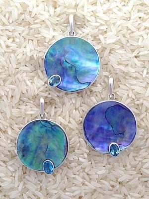 Paua Abalone Pendant Round Medium w/ Oval Gemstone