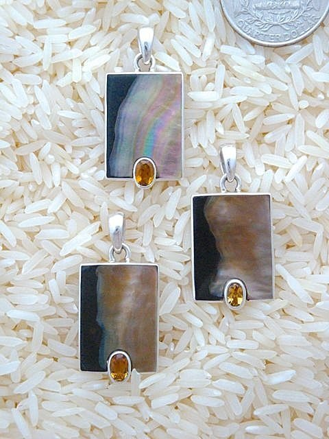 Black Lip Pendant Rectangular Small w/ Oval Citrine