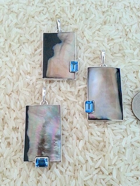 Black Lip Pendant Rectangular Medium-Large w/ EC Blue Topaz