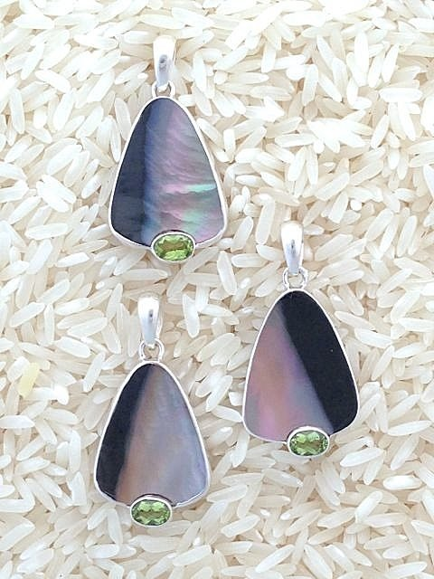 Black Lip Earrings Teardrop Small-Medium w/ Oval Peridot