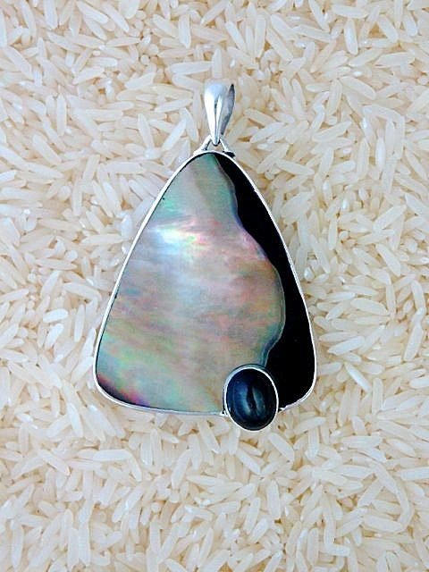 Black Lip Pendant Teardrop X-Large w/ Oval Black Star Diopside