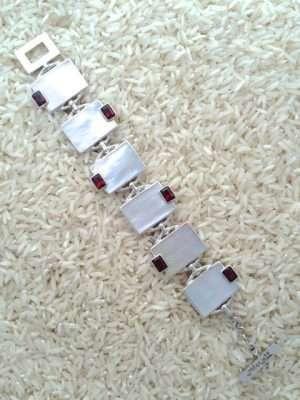 Mother-of-Pearl Bracelet Rectangular w/ EC Garnet