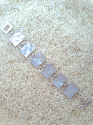Mother-of-Pearl Bracelet Rectangular 6-Links No Stones