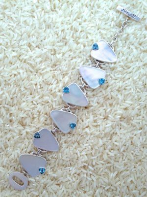 Mother-of-Pearl Bracelet Teardrop w/ Trill Gemstone