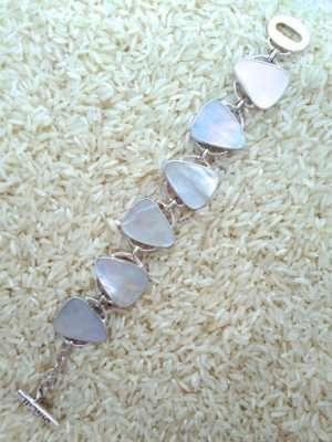 Mother-of-Pearl Bracelet Teardrop 6-Links No Stones