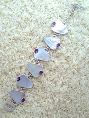 Mother-of-Pearl Bracelet Teardrop w/ Oval Gemstone